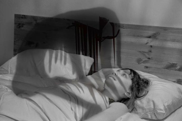 ( Sleep Paralysis - Hypnagogic Hallucinations - Image Courtesy of www.girlsaskguys.com )